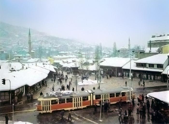 Sarajevo_Tram_Bascarsija_x001410A (1)